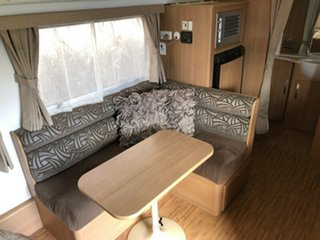 2013 Jayco Starcraft 16' with Rear Ensuite Pop Top.