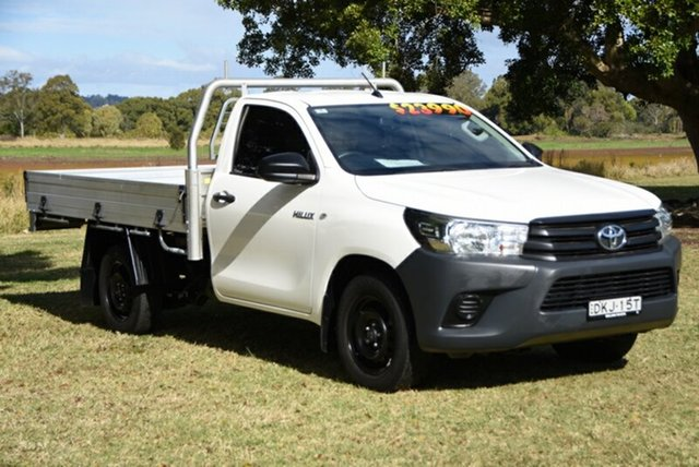 Used Toyota Hilux Workmate 4x2, Southport, 2016 Toyota Hilux Workmate 4x2 Cab Chassis
