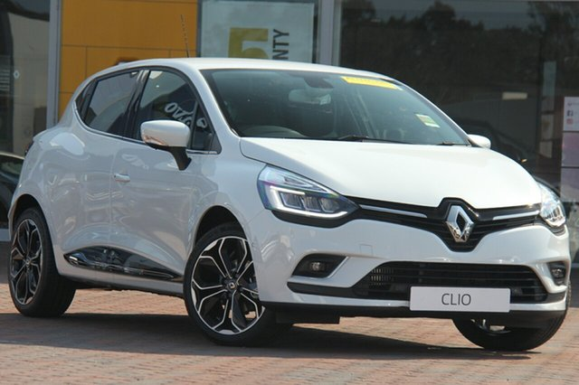 Discounted Demonstrator, Demo, Near New Renault Clio Intens EDC, Southport, 2018 Renault Clio Intens EDC Hatchback