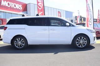 2018 Kia Carnival Platinum Wagon.