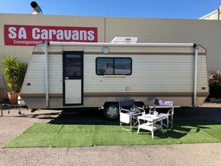 1990 Jayco 20' CARAVAN Caravan.