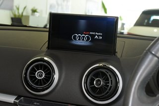 2014 Audi A3 Attraction S tronic Cabriolet.