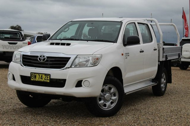 Used Toyota Hilux SR (4x4), Southport, 2013 Toyota Hilux SR (4x4) Dual Cab Chassis