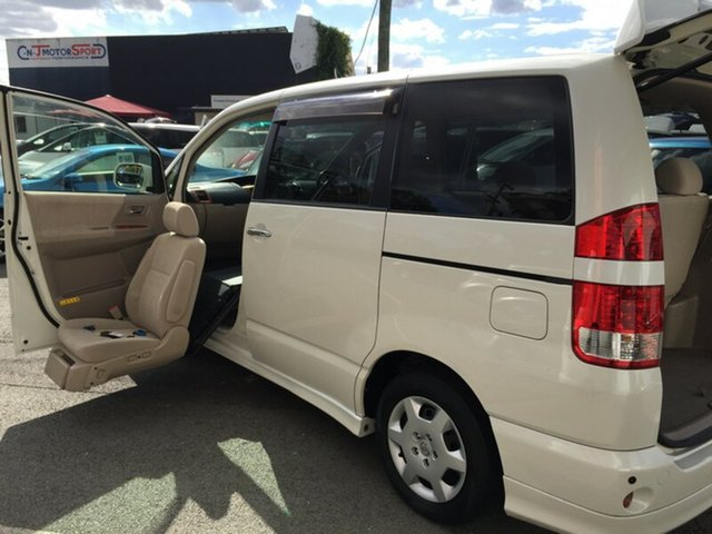 Used Toyota Noah, Kingston, 2006 Toyota Noah Campervan