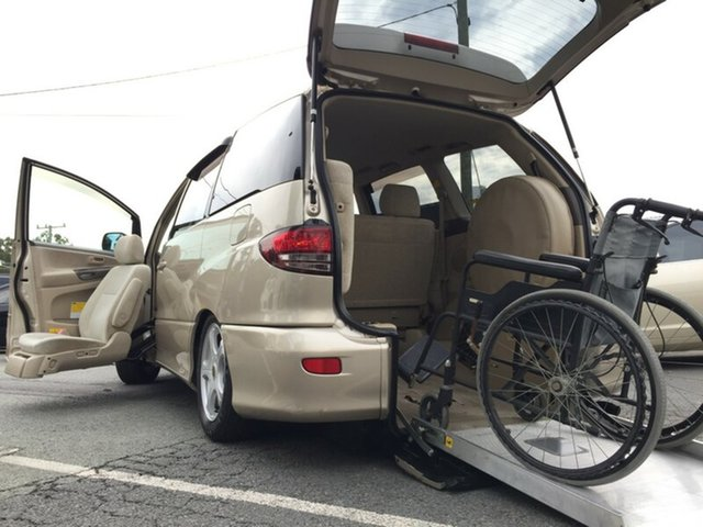 Used Toyota Estima Fold Out Seat/Rear ramp, Kingston, 2005 Toyota Estima Fold Out Seat/Rear ramp Wagon