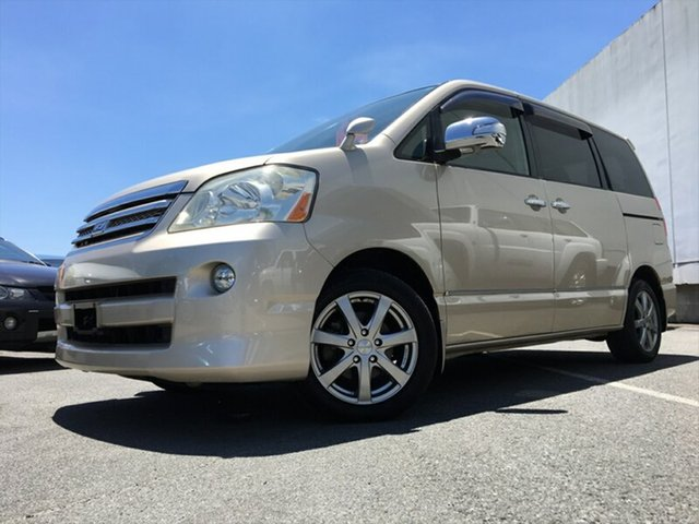 Used Toyota Noah, Kingston, 2005 Toyota Noah Wagon