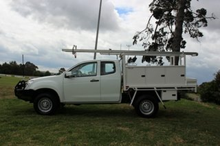 2013 Isuzu D-MAX SX Space Cab Cab Chassis.
