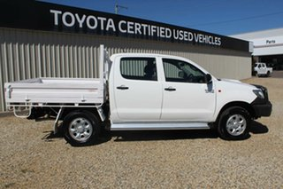 2013 Toyota Hilux SR (4x4) Dual Cab Chassis.