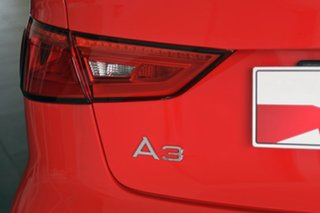 2015 Audi A3 Attraction S tronic Cabriolet.