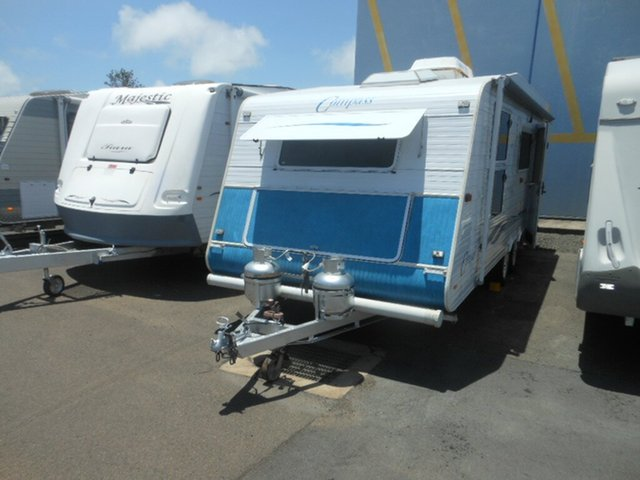 Discounted Used Compass Limited Edition, Pialba, 2004 Compass Limited Edition Caravan