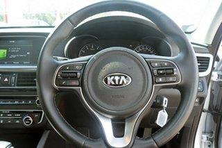 2017 Kia Optima SI Sedan.