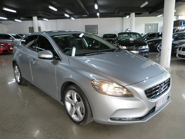 Used Volvo V40 T4 Adap Geartronic Kinetic, Albion, 2013 Volvo V40 T4 Adap Geartronic Kinetic Hatchback