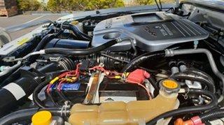 2001 Nissan Patrol ST (4x4) Wagon.