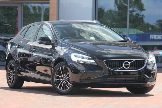 Discounted Demonstrator, Demo, Near New Volvo V40 T3 Adap Geartronic Momentum, Southport, 2018 Volvo V40 T3 Adap Geartronic Momentum Hatchback