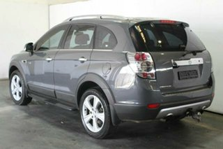 2011 Holden Captiva 7 LX Wagon.
