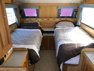 2005 Bushtracker 4X4 19' CARAVAN with SHOWER/TOILET Off Road Van.