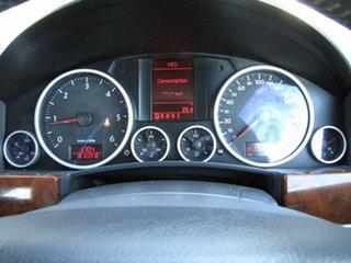2008 Volkswagen Touareg V6 TDI 4Xmotion Wagon.