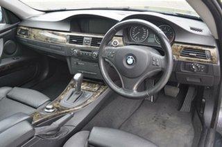 2007 BMW 325i Coupe.