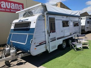 2011 Supreme EXECUTIVE 1760 with AIR COND. Pop Top.