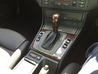 2003 BMW 325Ci Coupe.