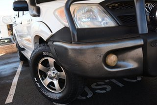 2006 Toyota Hilux SR (4x4) Dual Cab Pick-up.