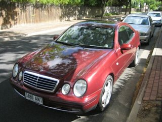 1998 Mercedes-Benz CLK320 Elegance Coupe.