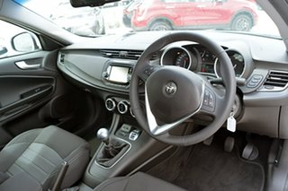 2018 Alfa Romeo Giulietta Super Hatchback.