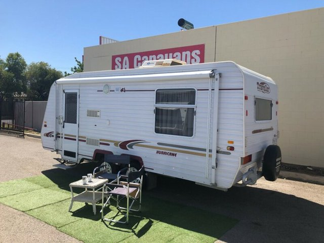 Discounted Used Traveller Hurricane 19' with Air Cond., Klemzig, 2003 Traveller Hurricane 19' with Air Cond. Caravan