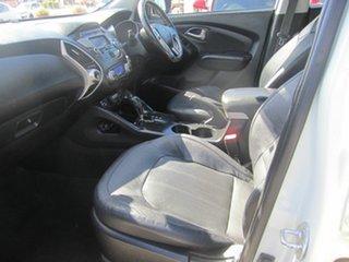 2010 Hyundai ix35 Highlander Hatchback.
