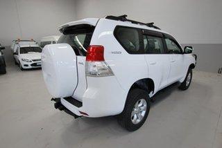 2010 Toyota Landcruiser Prado GXL Wagon.