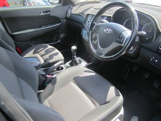 2009 Hyundai i30 CW SLX 2.0 Hatchback.