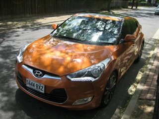 2016 Hyundai Veloster + Coupe D-CT Hatchback.