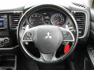 2014 Mitsubishi Outlander LS 4WD Wagon.