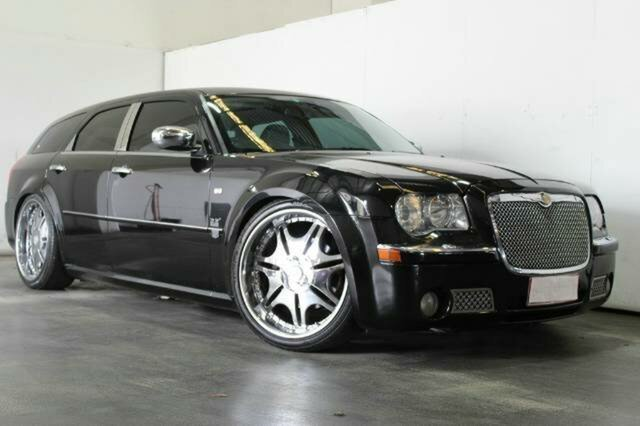 Used Chrysler 300C, Underwood, 2006 Chrysler 300C Wagon