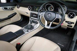 2015 Mercedes-Benz SLK250 7G-Tronic + Roadster.
