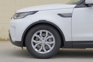 2018 Land Rover Discovery Wagon.