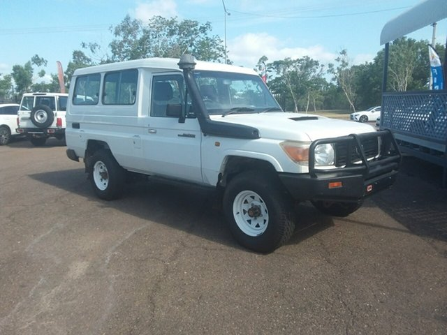Used Toyota Landcruiser Workmate (4x4) 11 Seat, Parap, 2011 Toyota Landcruiser Workmate (4x4) 11 Seat TroopCarrier