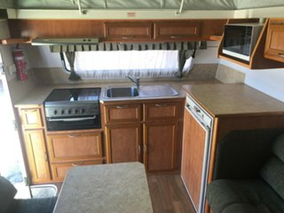 2008 AUSSIEWIDE ELANDRA 18' with AIR COND and ANNEX Pop Top.