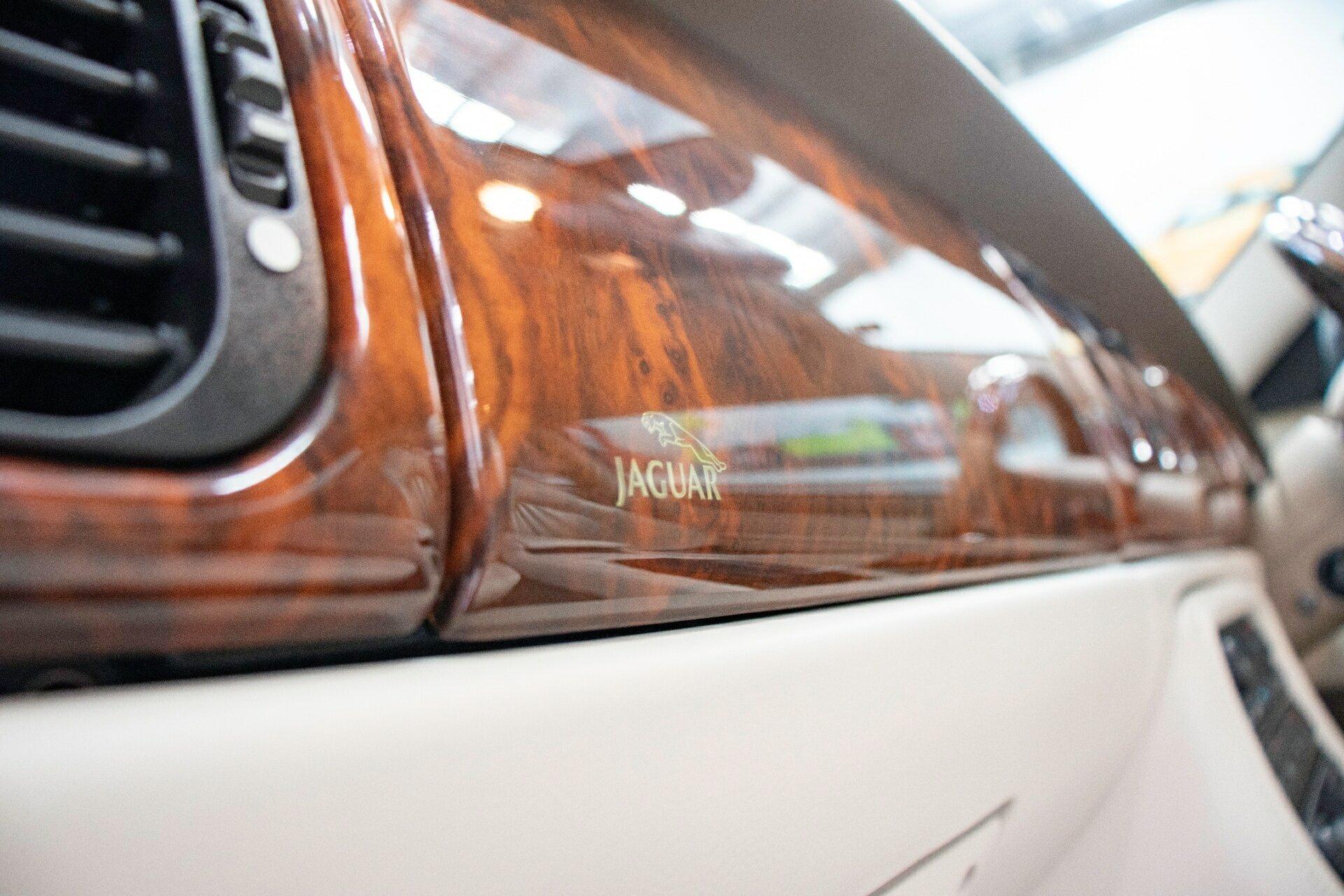 2004 Jaguar Xk8  My04