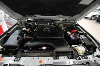2014 Mitsubishi Pajero GLX Wagon.