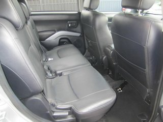 2008 Mitsubishi Outlander Luxury Wagon.