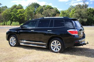 2013 Toyota Kluger Grande 2WD Wagon.