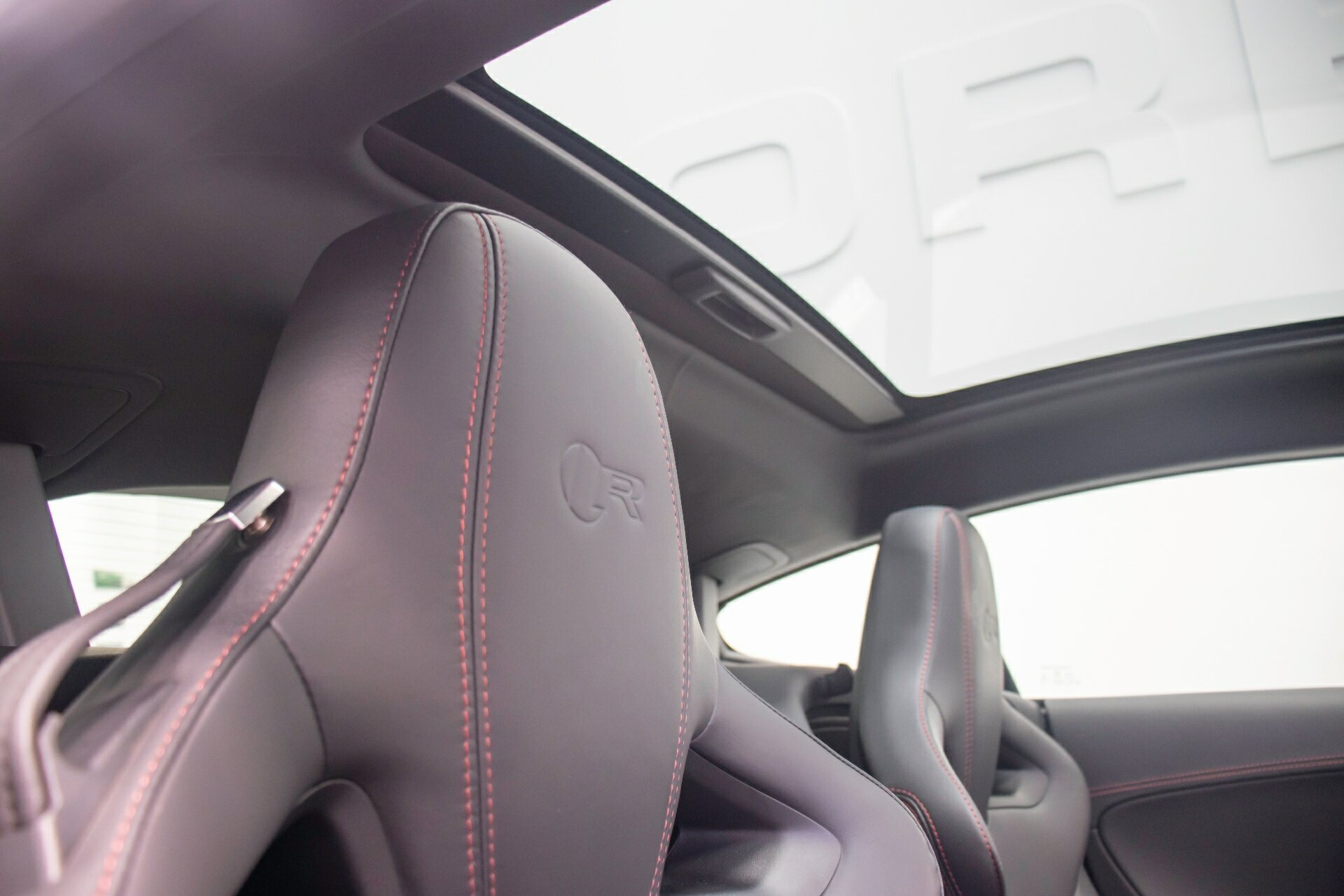 2014 Jaguar F-type V8 R