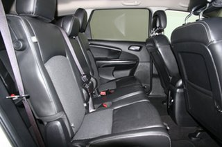 2014 Fiat Freemont Crossroad SUV.