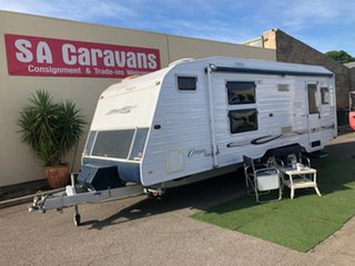 2005 Compass NAVIGATOR 21' with SHOWER /TOILET Off Road Van.