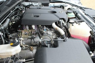 2017 Toyota Hilux SR5 (4x4) Dual Cab Utility.