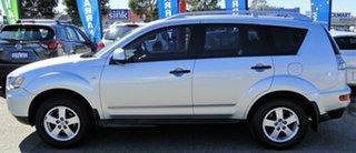 2009 Mitsubishi Outlander LS Wagon.