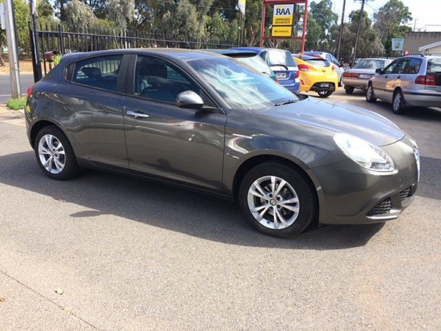 Used Alfa Romeo Giulietta Progression 1.4, West Croydon, 2014 Alfa Romeo Giulietta Progression 1.4 Hatchback