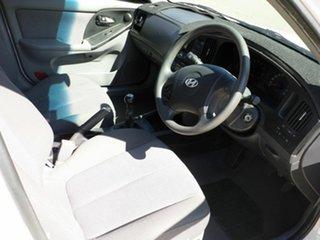 2004 Hyundai Elantra Sedan.
