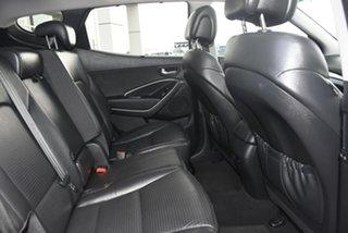 2013 Hyundai Santa Fe Highlander SUV.